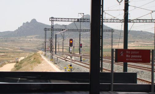 El PP pide a Fomento y al Consell que se comprometan a realizar el acceso a la estación AVE