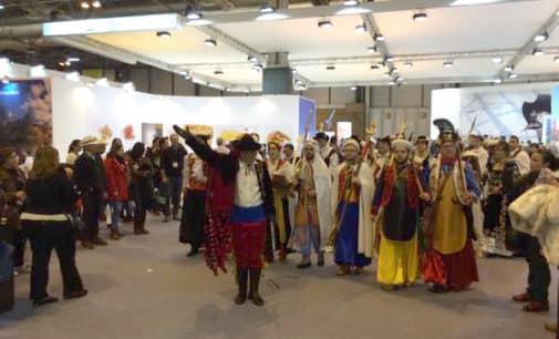 Los Moros y Cristianos de Villena participarán en el desfile folklórico internacional de Alicante