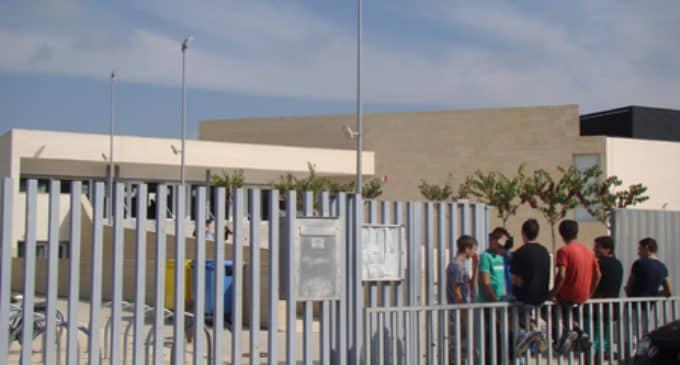 Alumnos de la ESO del IES Las Fuentes llevan un mes sin profesor de biología