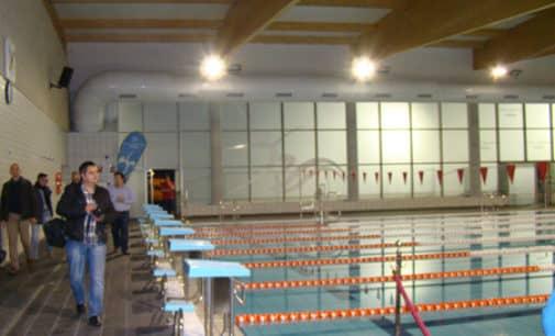 El PP pide la reducción de tarifas de los servicios de la piscina cubierta