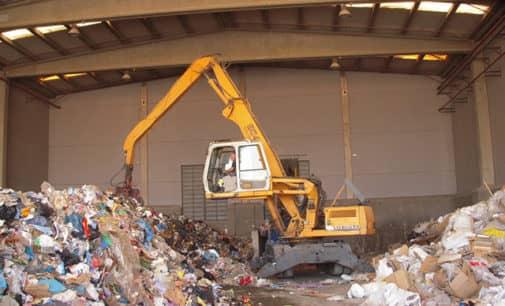 Villena recibirá 40.000 € más por las 9.000 toneladas de basura que recibió de la Vega Baja en 2016