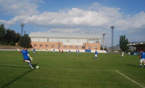 Villena invertirá 35.000 euros en renovar dos de las torres eléctricas del campo de fútbol La Solana