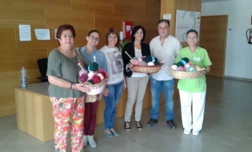 Entregada al Centro de Día de Alzheimer la ofrenda socialista del día 7