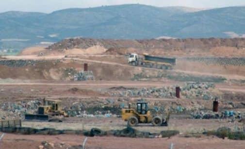 La planta de residuos de Villena aplaza la apertura del tercer vaso