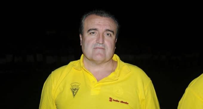 Cesan al entrenador del Villena CF, Gómez