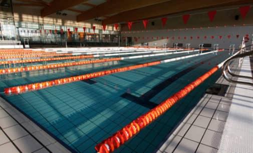 El Ayuntamiento estudia modificar el horario de la piscina cubierta para reducir el déficit