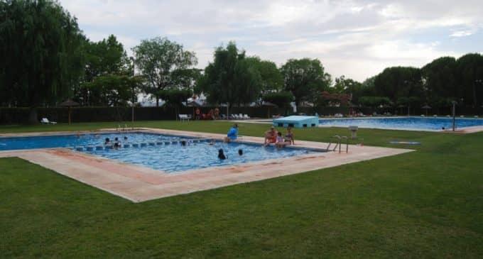 La piscina municipal de Villena permanecerá cerrada el 1 de julio