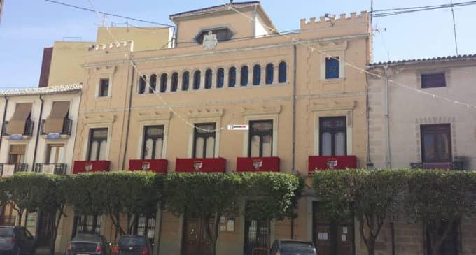 La Junta Central de Fiestas  reconoce que las comparsas se sienten agraviadas con el trato municipal en Artefiesta