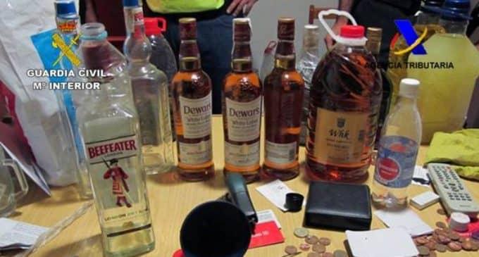 Decomisan 10.000 litros de garrafón en dos almacenes de Murcia y Villena