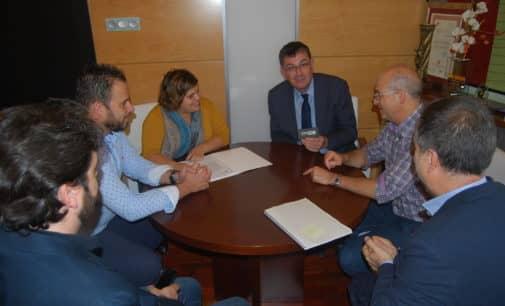 El presidente de las Cortes Valencianas afirma que el Alto Vinalopó mantendrá sus poblaciones