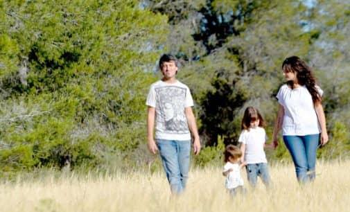 Una familia de Villena inician un viaje para conocer el mundo juntos