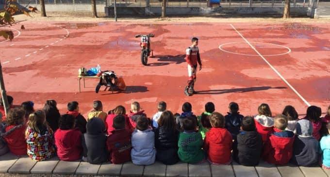 """""""Coque"""" López visita el Colegio Público La Celada"""