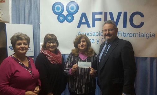 La comparsa de Moros Nuevos entrega a distintas asociaciones un total de 9.000 euros