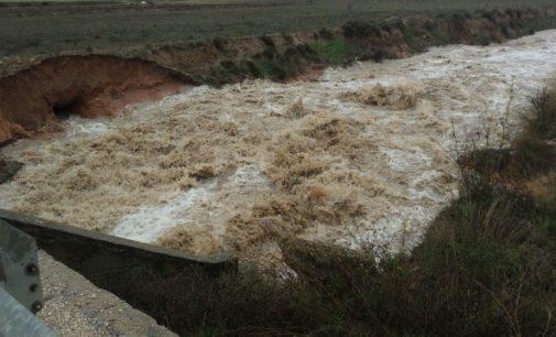 El rio Vinalopó a punto de desbordarse