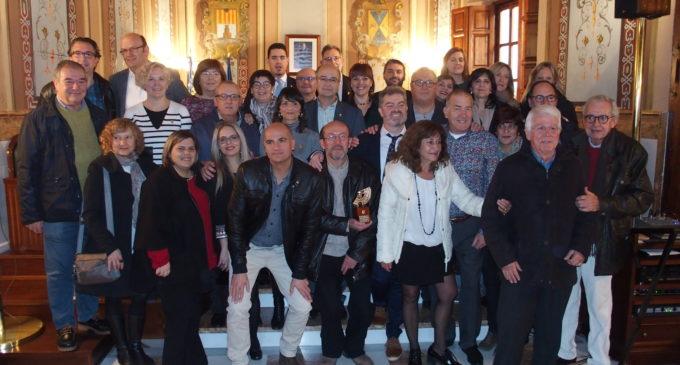 Emotiva entrega de los premios Arracada de Oro a Miguel Ybern y al Club de Jazz de las Mil Pesetas en el día de la Constitución