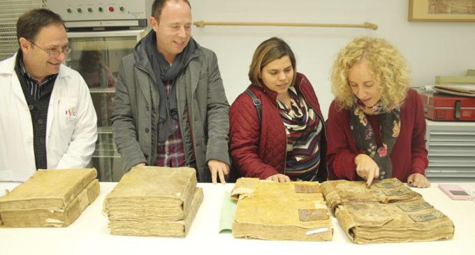 Villena envía a restaurar siete libros de Actas Capitulares de los siglos XVI y XVII