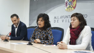 Pepi Moya, Esther Esquembre y Juanjo Ayelo durante la presentación de la campaña
