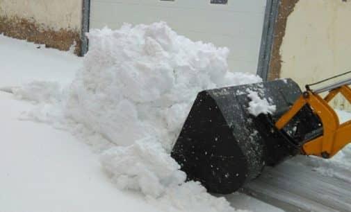 La Encina sigue sin electricidad desde la nevada de ayer