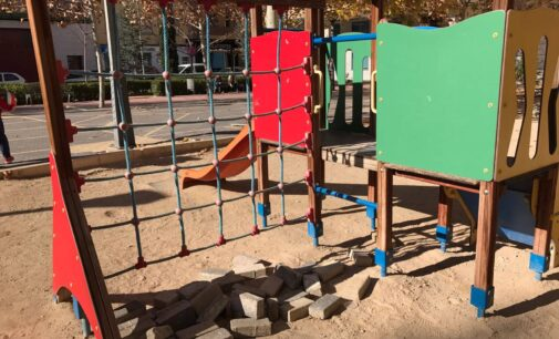 Villena dedica una plaza en honor al personal sanitario