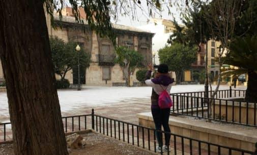Comienza a nevar en Villena