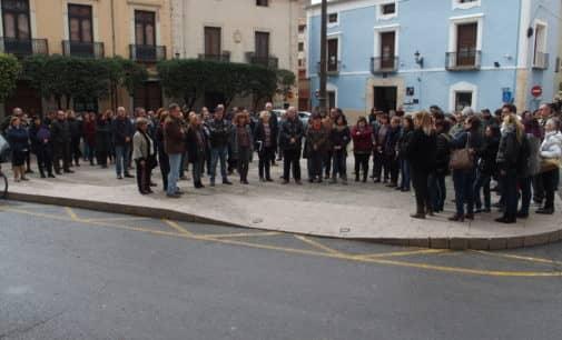 Concentración en Villena contra el asesinato machista de Moraira