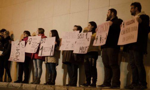 IU da un paso atrás en la convocatoria del 8 de marzo