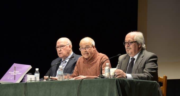 """""""El Poder Municipal en Villena"""" llena el Salón de Actos de la Casa de Cultura"""