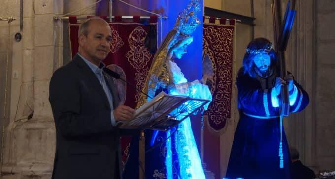 El pregonero Javier Esquembre anima a los villenenses a sentir la Semana Santa