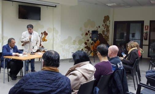 El secretario autonómico de Educación  se compromete en Villena a estudiar que los alumnos de la CV finalicen con la misma capacitación de inglés