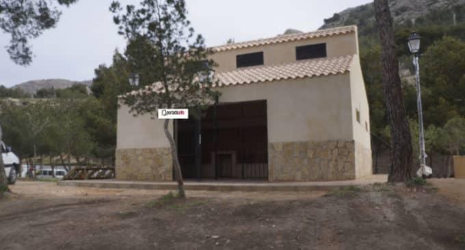 El merendero de Las Cruces  y la pirámide del coso se incorporan al contrato de limpieza de edificios municipales