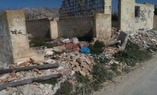 Los Verdes reconocen la incapacidad de limpiar los vertidos incontrolados en Villena
