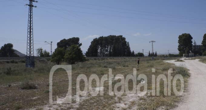 Los Verdes incluyen en su programa un parque deportivo entre el recinto ferial y el IES Hermanos Amorós