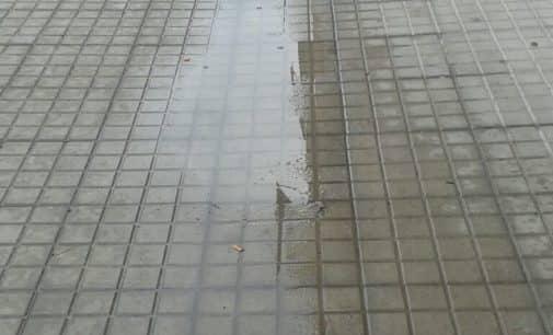 El misterioso caso de la existencia de dos pendientes en una misma acera de la calle Ferriz