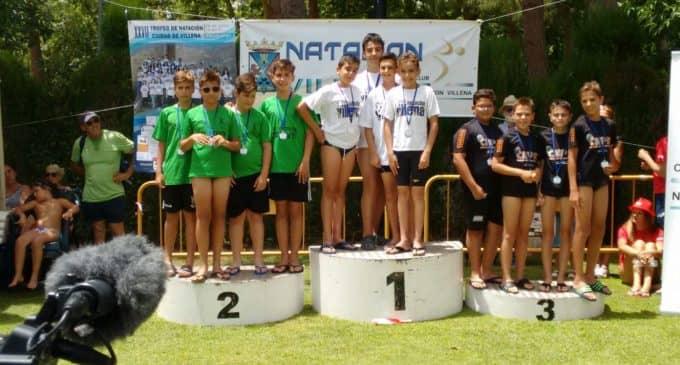 Unos 450 nadadores participan en el XXVII edición del Trofeo de Natación Ciudad de Villena