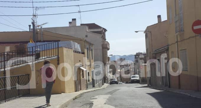 Vecinos de la calle San Fulgencio piden mejorar la seguridad en la vía
