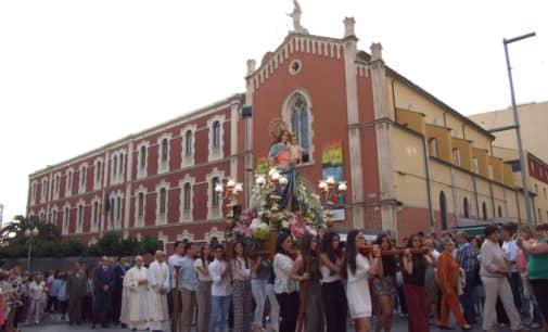 Fiesta y Procesión de Maria Auxiliadora en Villena