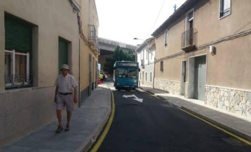 La calle Nueva en Villena se abre al tráfico tras cuatro meses cortada