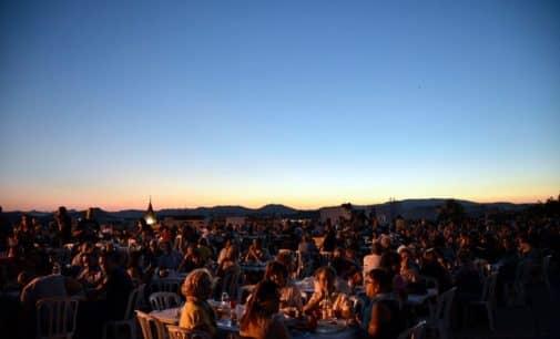 El Ayuntamiento asume el coste de la tradicional cena en el Castillo