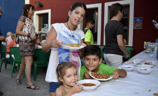 El Rabal organiza la tradicional cena a base de habas y caracoles