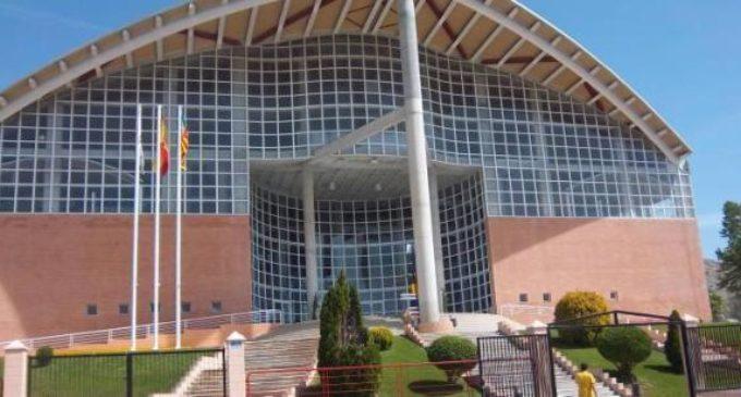Cargos electos, cargos electorales y cargas para el electorado por las instalaciones deportivas