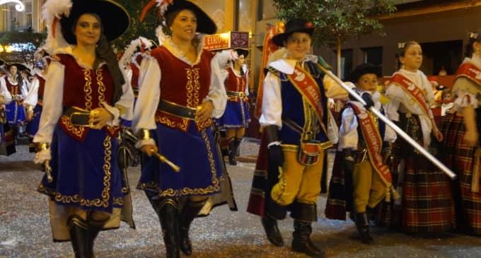 Los Marinos Corsarios se alzan con el primer premio en las fiestas de Moros y Cristiano de Villena