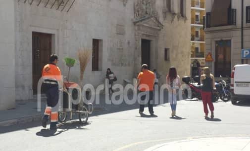 Denuncian que el servicio de limpieza en Villena se presta con menos de la mitad de personal necesario