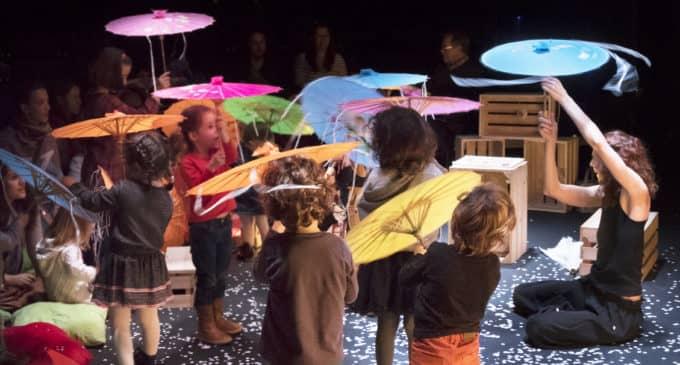 """Danza para los más pequeños en el Cinema Chapí con """"30 elefantes bajo un paraguas"""""""
