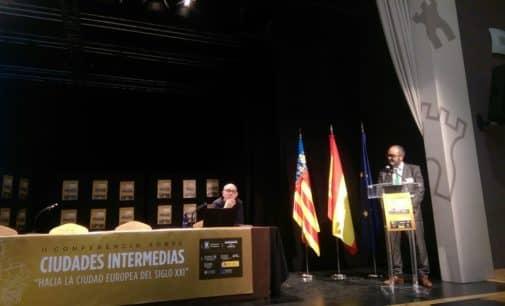 El Alcalde participa en la Conferencia de Ciudades Intermedias celebrada en Almassora