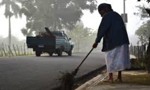 """Así limpiaba, así así, así limpiaba sin contrato… la abuelita"", no el abuelito"
