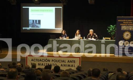 Más de cien agentes participan en unas jornadas sobre actuación policial ante el maltrato animal