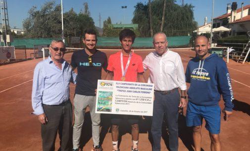 Carlos Sánchez se proclama campeón absoluto de tenis la Comunidad Valenciana