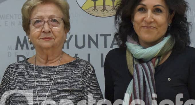 Maruja López es la imagen de la campaña que promueve la limpieza de los excrementos de animales