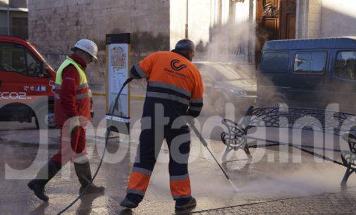 El Ayuntamiento de Villena baraja contratar  el servicio de una máquina quita chicles