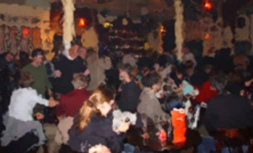 Los bares de copas podrían abrir a partir del viernes